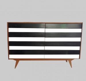 Trendy Black and White Siderboard from 1950/60