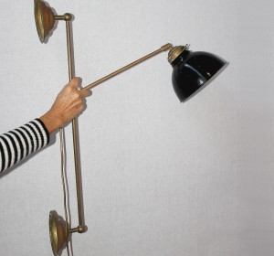 Industrial wall mounted arm lamp