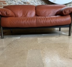 Italian leather sofà by Poltrona Frau
