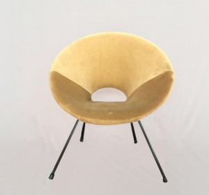 Italian Round Armchair in the manner of Augusto Bozzi