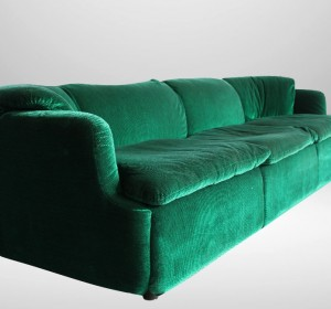 Italian Emerald Green sofà by Alberto Rosselli for Saporiti 1972