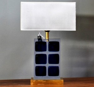 Italian PLEXIGLASS table lamp from the 70′s