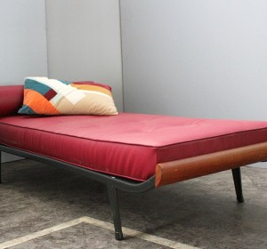 Cleopatra Bordeaux Day Bed
