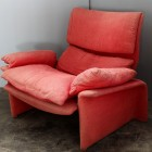 Italian Red Velvet armchair designed by Giovanni Offredi by Saporiti