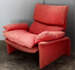 Italian Red Velvet armchair designed by Giovanni Offredi by Saporiti